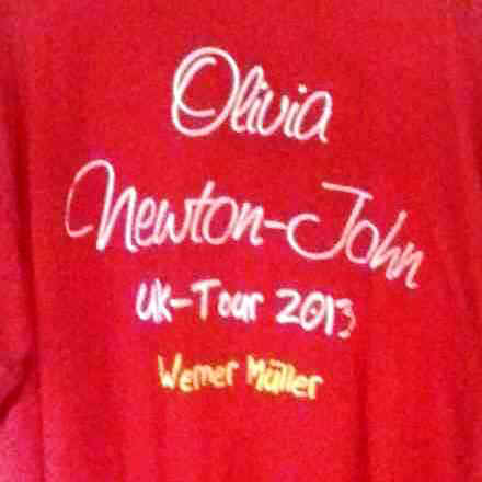 uk_tourshirt2.jpg (13673 Byte)